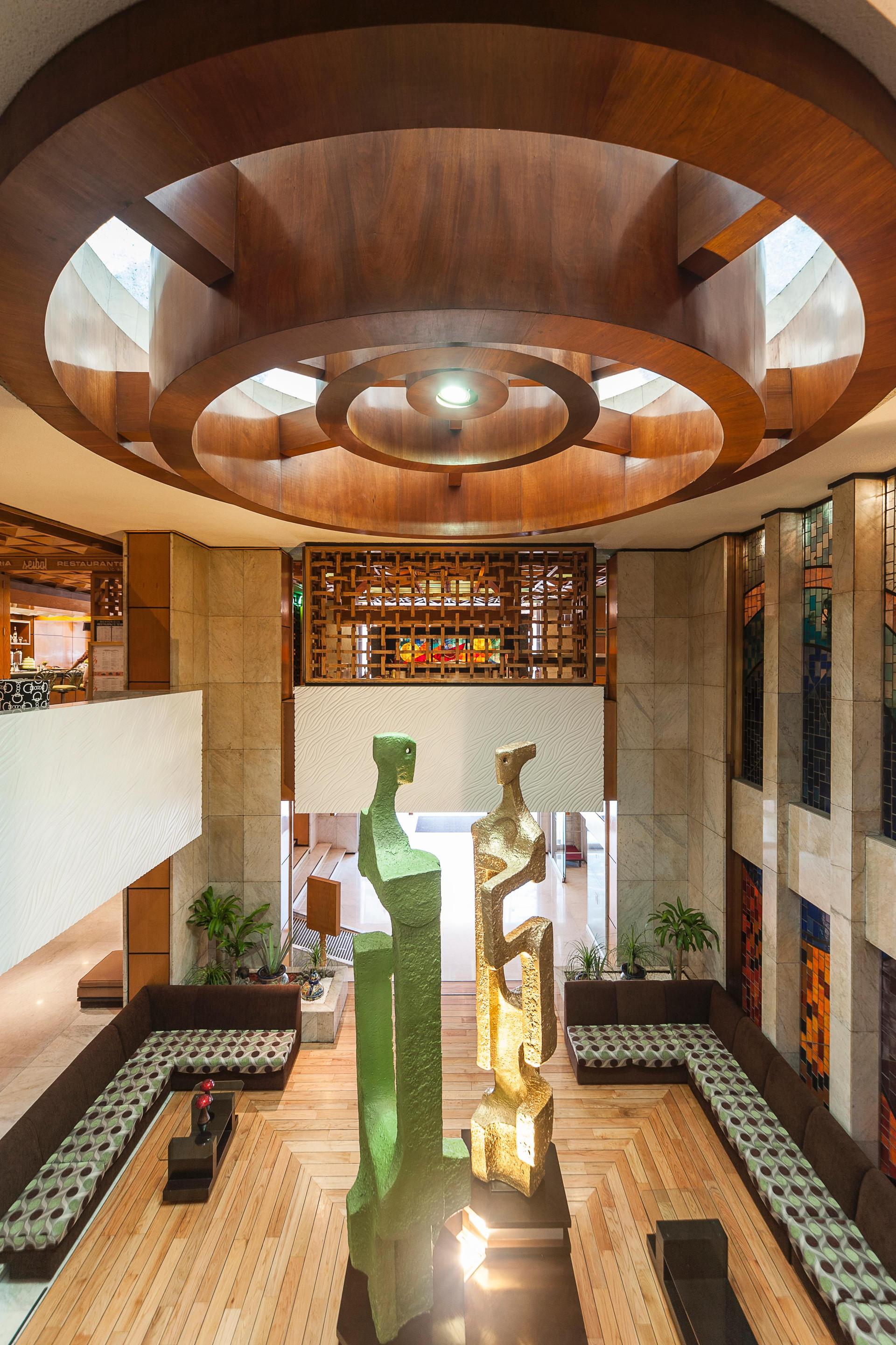 Vista Lobby